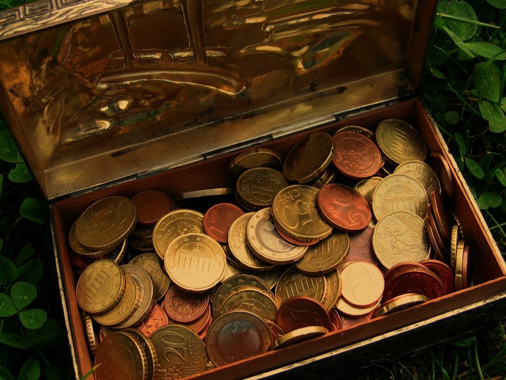 Pirates chest of doubloons